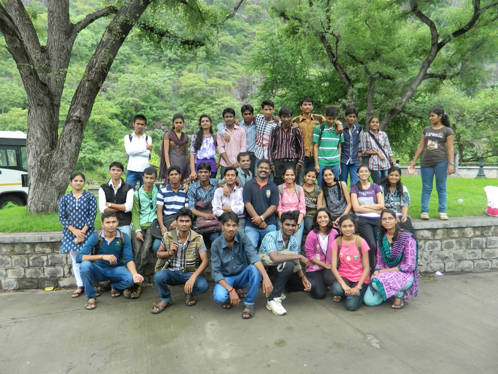 Engg Students Pecnic at Ajanta Maharashtra